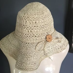 Ecru straw floppy brim hat